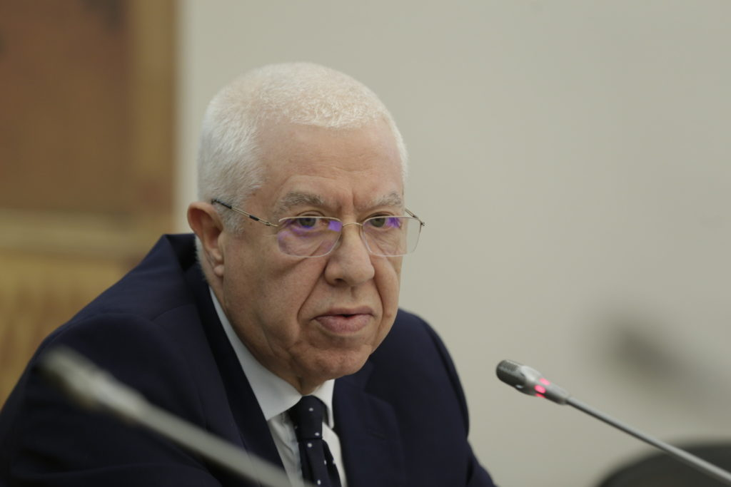 Ex-ministro Teixeira dos Santos vai ser ouvido no DCIAP na próxima semana