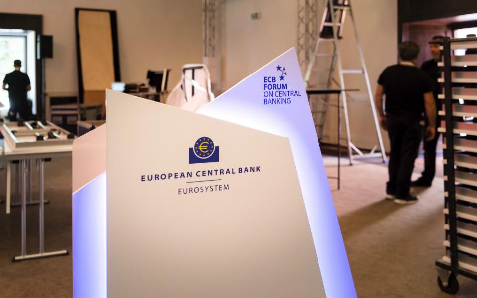 Na descarbonização, acões podem valer mais que dívida, diz o BCE