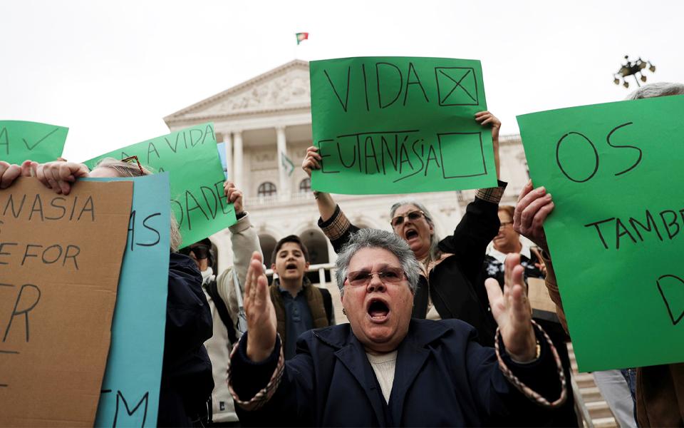 Eutanásia: O que os partidos propõem para uma despenalização sem referendo
