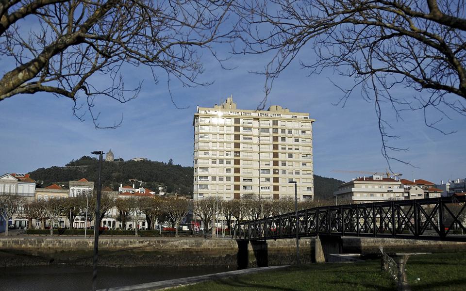 HABITAÇÃO Coutinho, símbolo  de resistência em Portugal