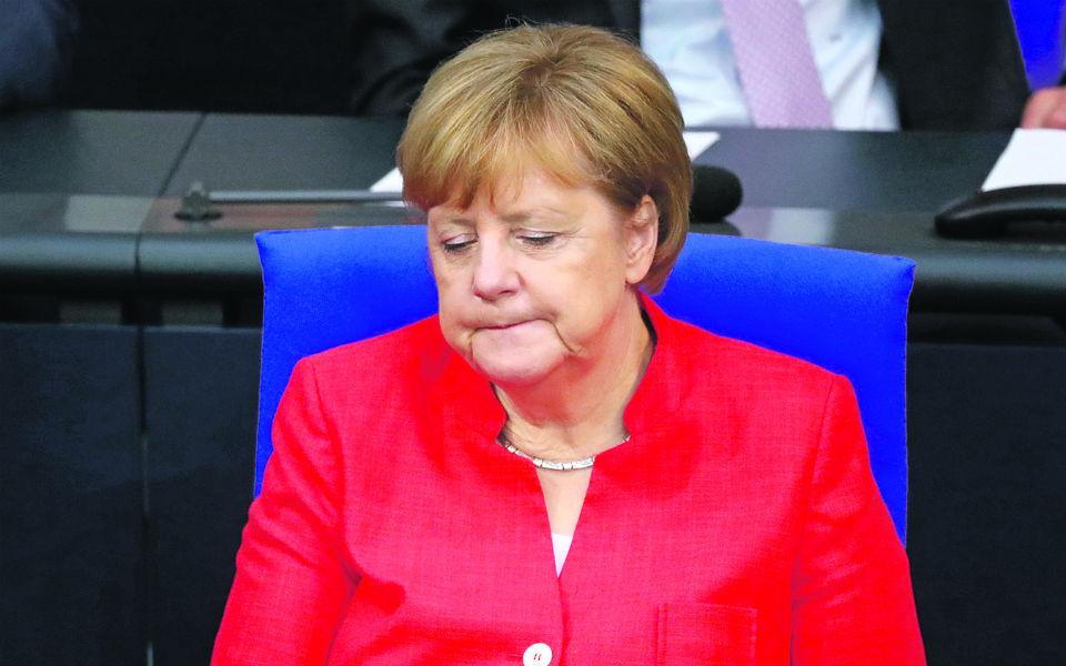 """""""A senhora Angela Merkel está politicamente muito fragilizada"""""""