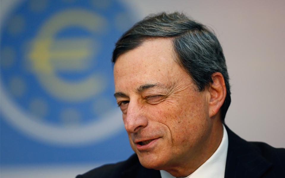 """Após lucros, banca receia """"faca"""" dos juros de Mário Draghi"""