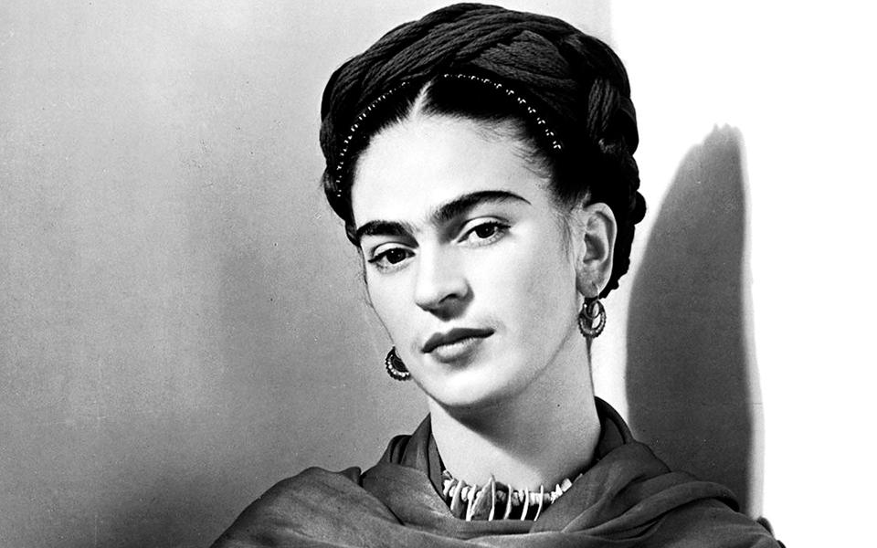 """""""Frida Kahlo, As Suas Fotografias"""" - A mulher que lutou até ao fim"""