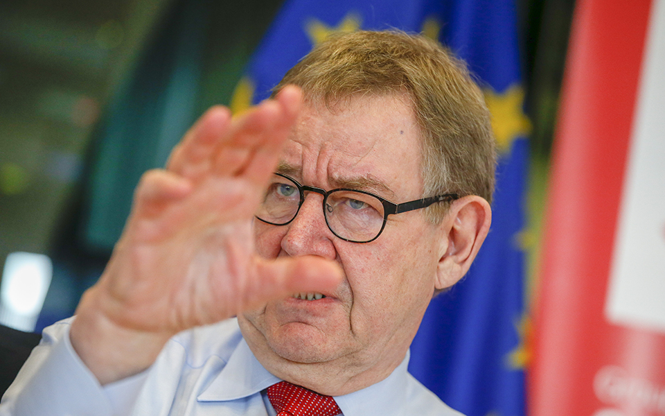 """""""Deveria existir uma agência pública europeia de 'rating'"""""""