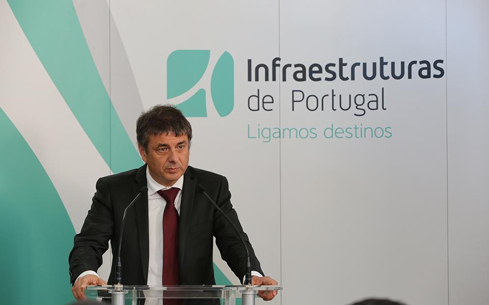 Ligação a Espanha com custos 30% abaixo do previsto