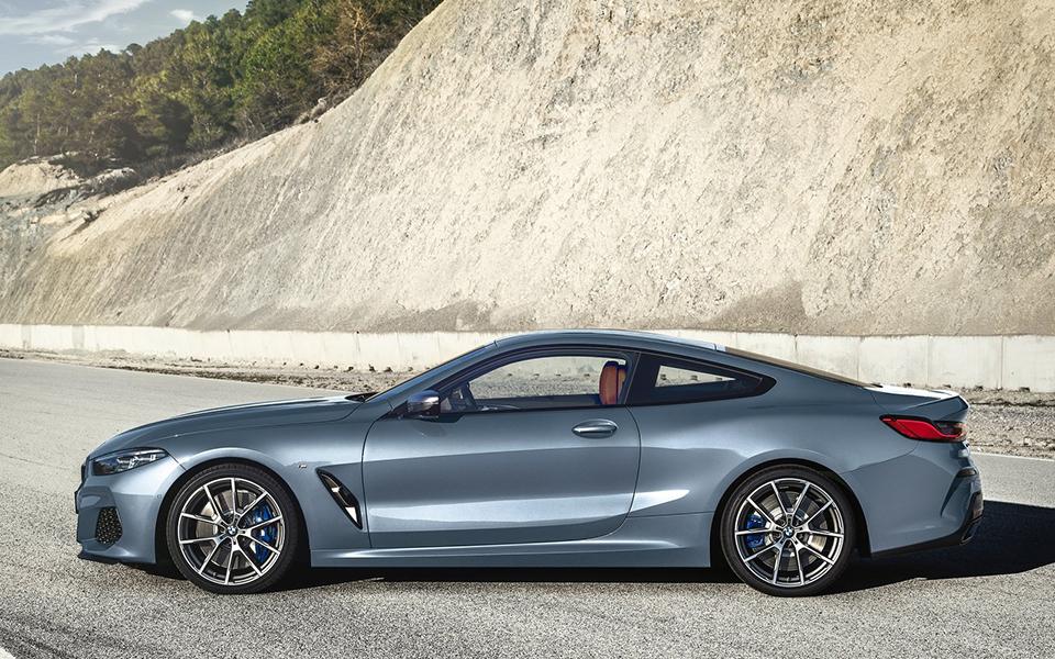 BMW Série 8. Maquinão pronto para devorar a estrada
