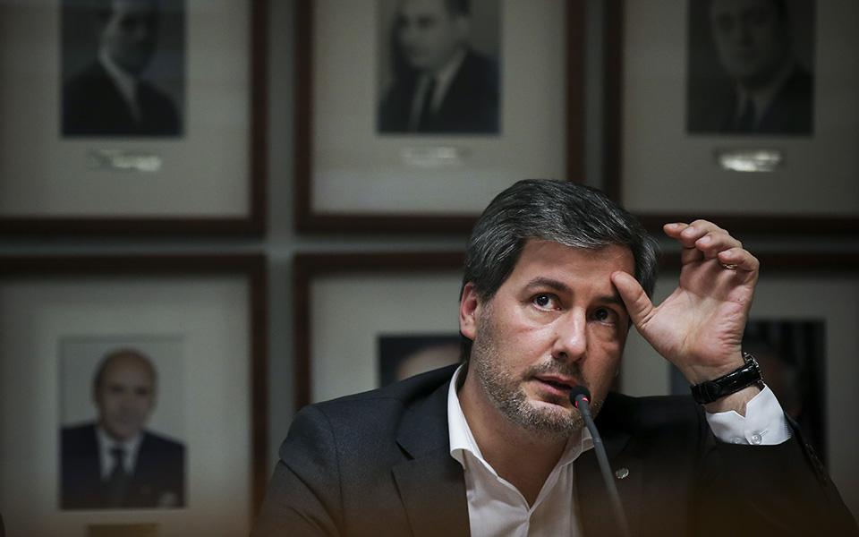 PJ abre inquérito a milhões gastos por Bruno de Carvalho no Sporting