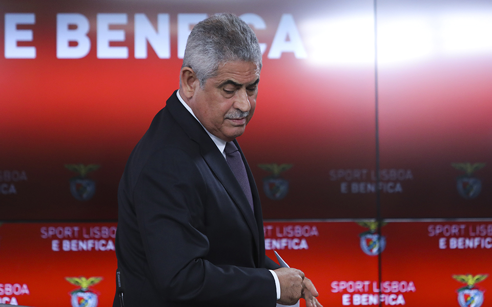 "Benfica reúne 'dream team' para se defender do ""e-Toupeira"""