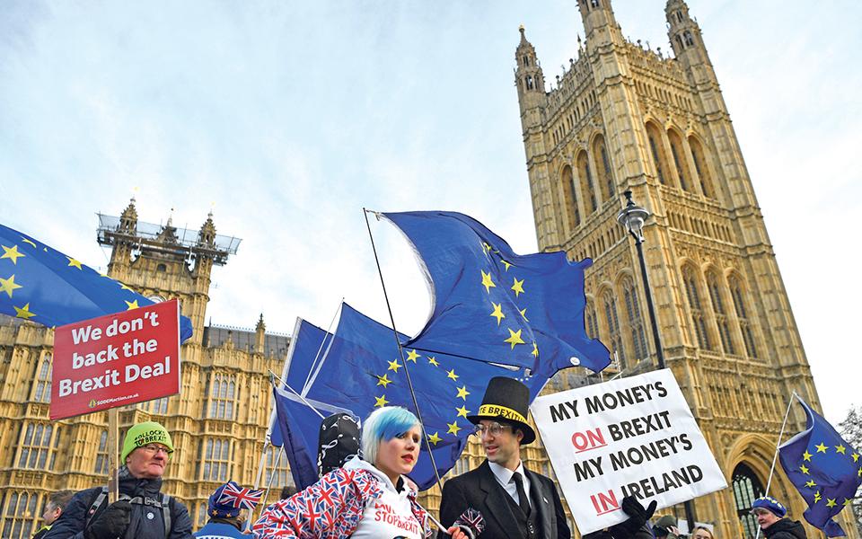"""Reino Unido prestes a entrar em """"território desconhecido"""""""