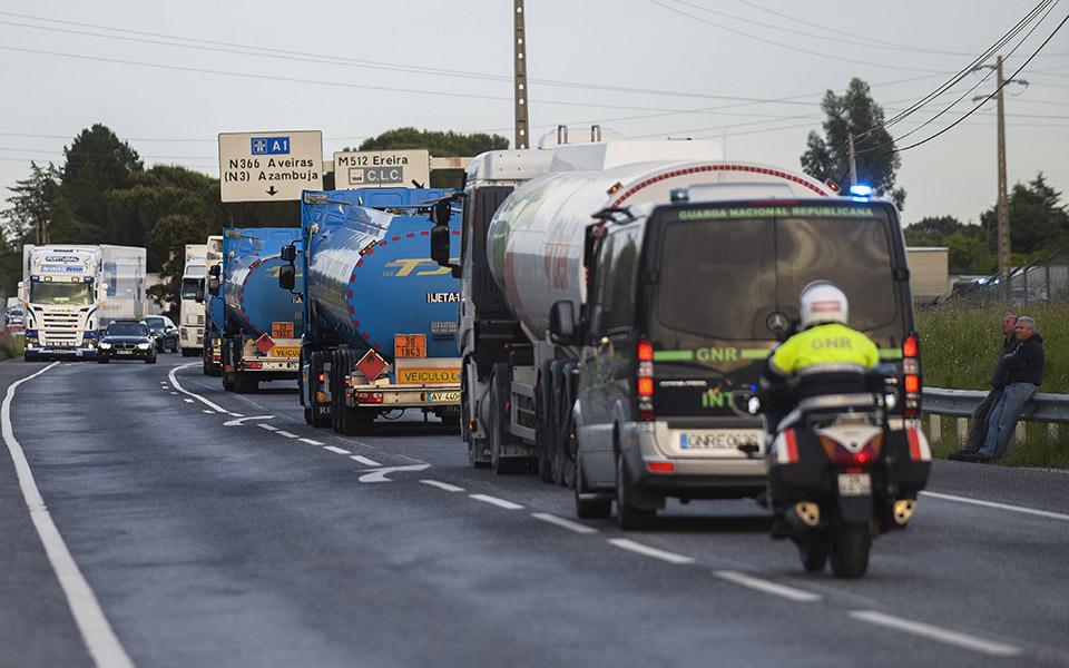 Camionistas retomam negociações para evitar nova quebra no combustível
