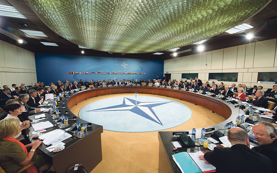 """NATO atinge 70 anos em plena """"crise  de crescimento"""""""