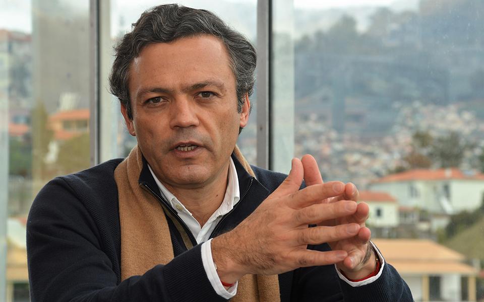 """""""Aos olhos deste Governo socialista, a Madeira é Portugal?"""""""