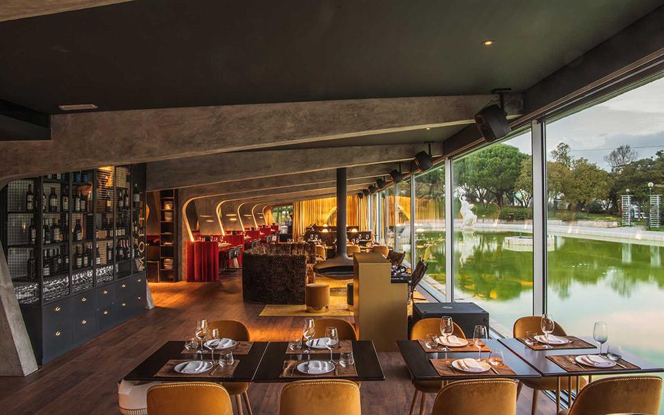 Praia no parque: O Parque Eduardo VII  já merecia um restaurante assim