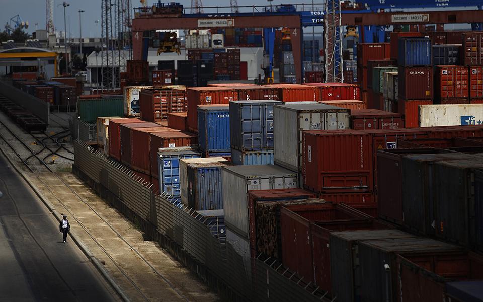 Portos registam quebra de 2,7% nas mercadorias no primeiro semestre
