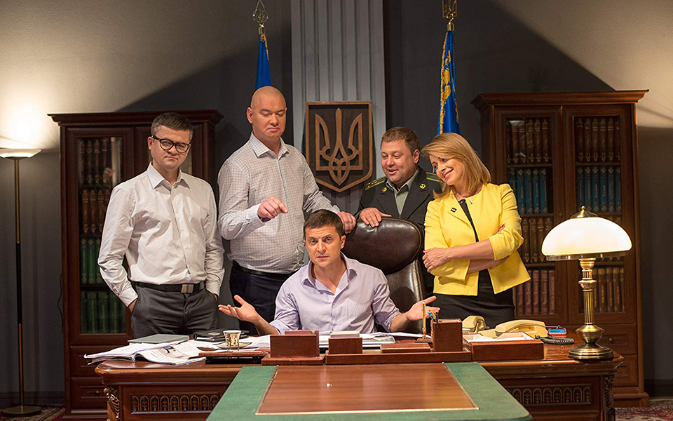 Volodymyr Zelensky: Passa a presidir fora da televisão