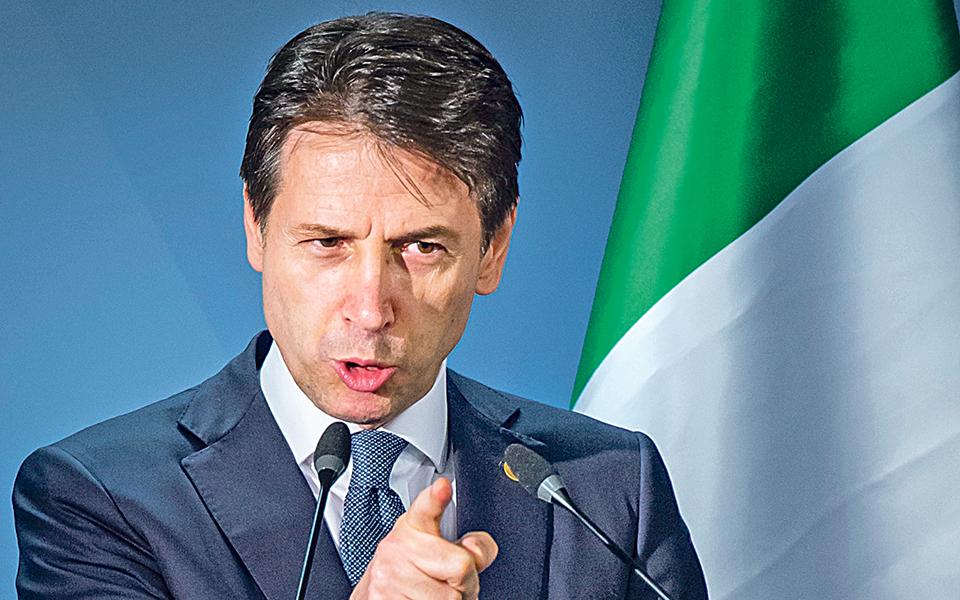 Instabilidade em Itália tira 100 mil milhões à banca europeia