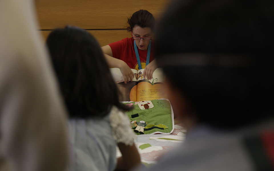 Contos  para miúdos  na Biblioteca Pública  da Madeira