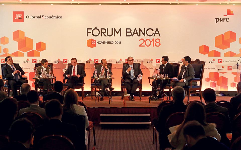 Disrupção com incumbentes? Bancos dividem-se