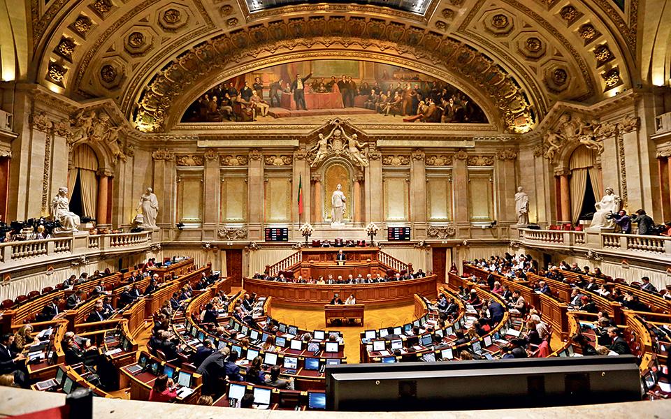 Os temas quentes do regresso aos trabalhos parlamentares