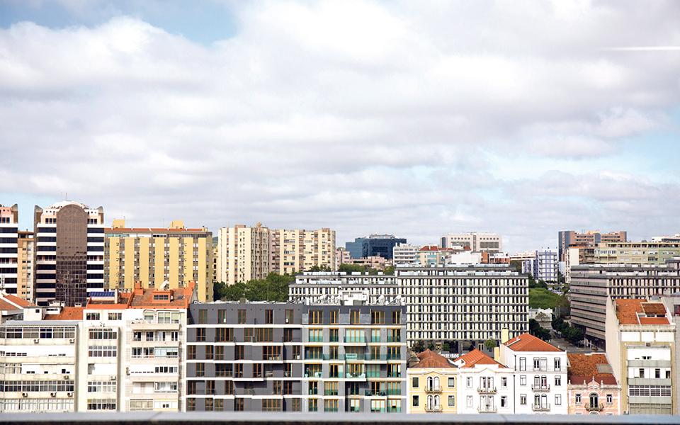 Investimento de  três mil milhões no ano passado em Portugal