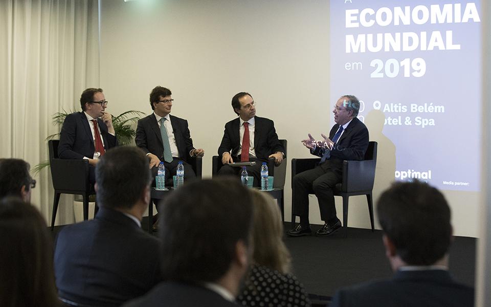 Economia mundial em 2019: crónica de deslize anunciado