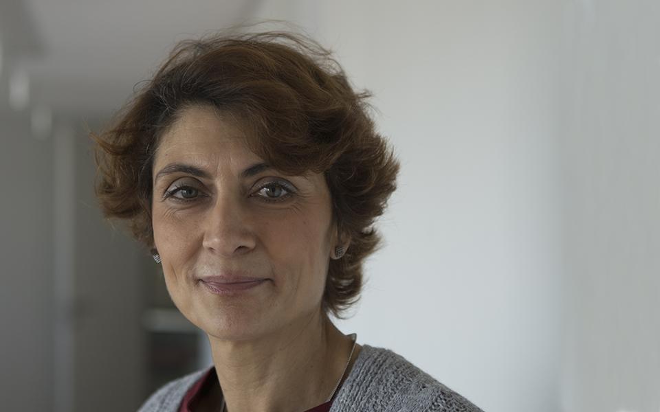 """Nazaré Costa Cabral: Mãe de quatro filhos, leitora compulsiva  e  """"bem disposta"""""""