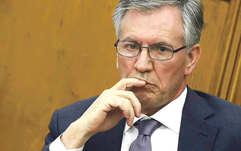 Armando Vara: Político da banca que só admite ter recebido robalos