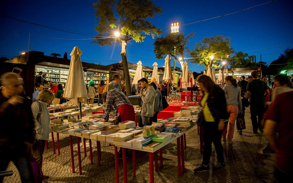 Feira do livro de Lisboa Festa de quem gosta de ler continua a páginas tantas