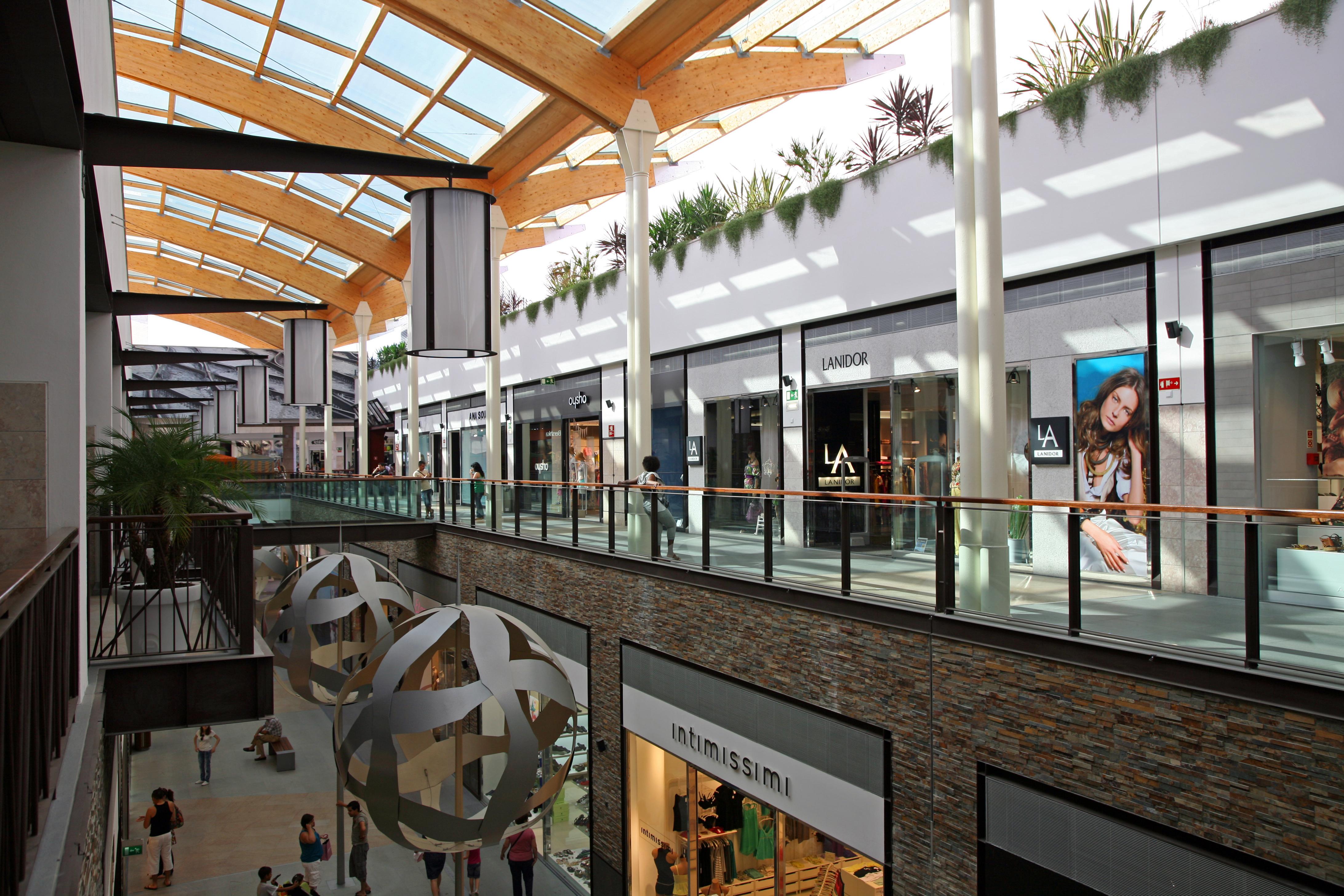 BCP admite venda de mais centros comerciais