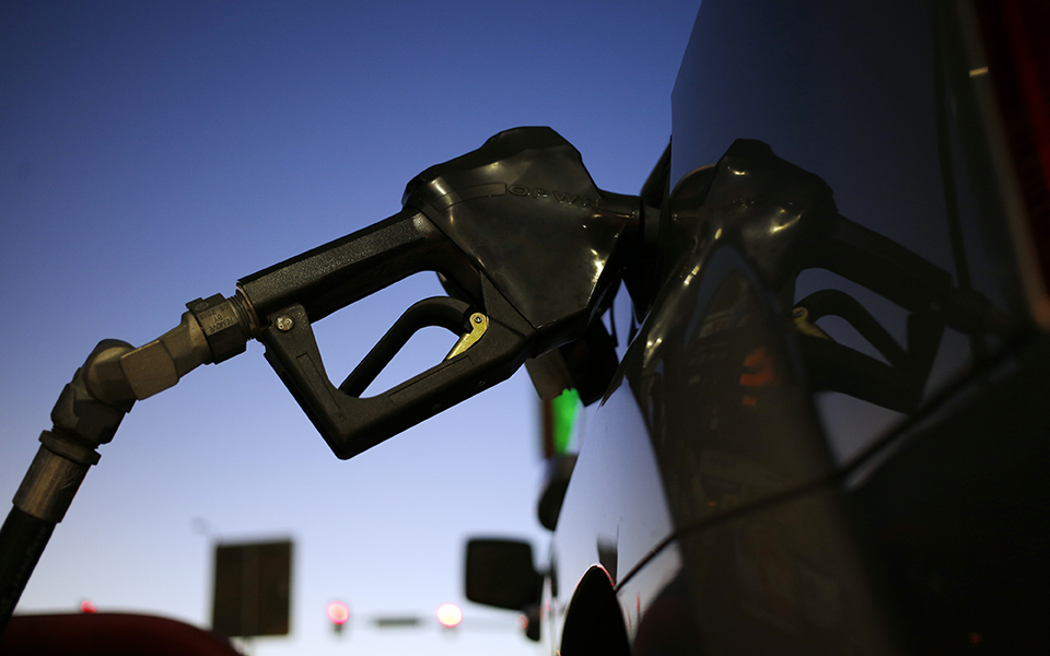 Gasolina aumenta pela 13ª semana no maior ciclo de subidas em 4 anos