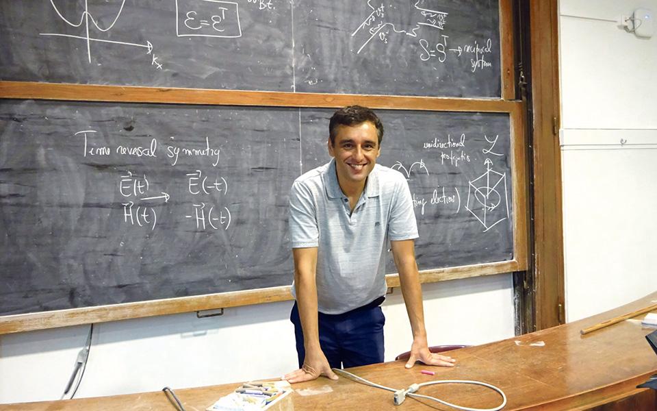 Investigação pioneira  dá prémio internacional  a professor do Técnico