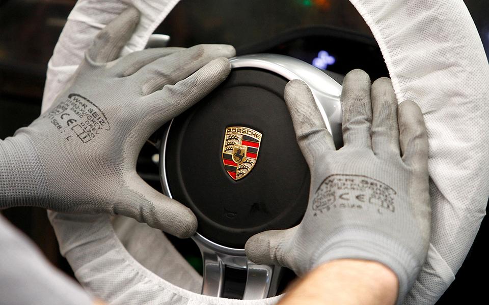 Porsche assume menos de 100 milhões de dívida bancária na SIVA