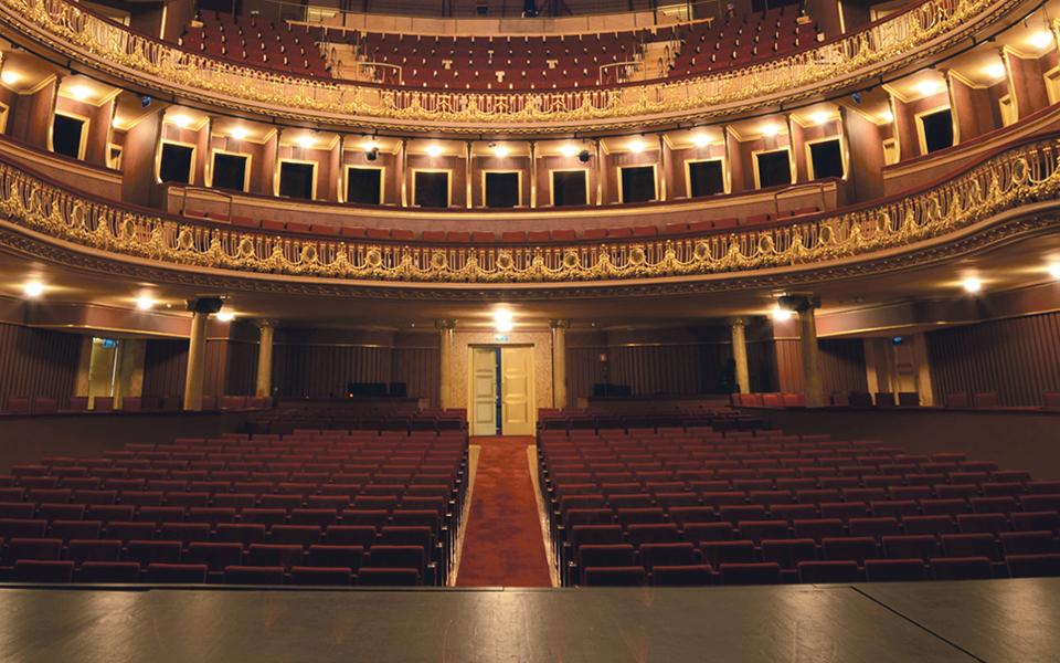 """""""O teatro faz-nos esquecer dos nossos problemas"""""""