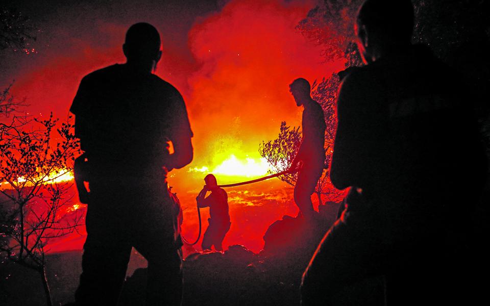Incêndio no Algarve dura há sete dias e causa 36 feridos
