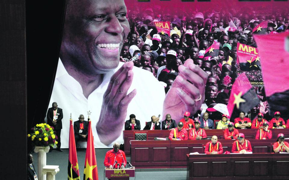 Jovens angolanos entre a esperança e o ceticismo