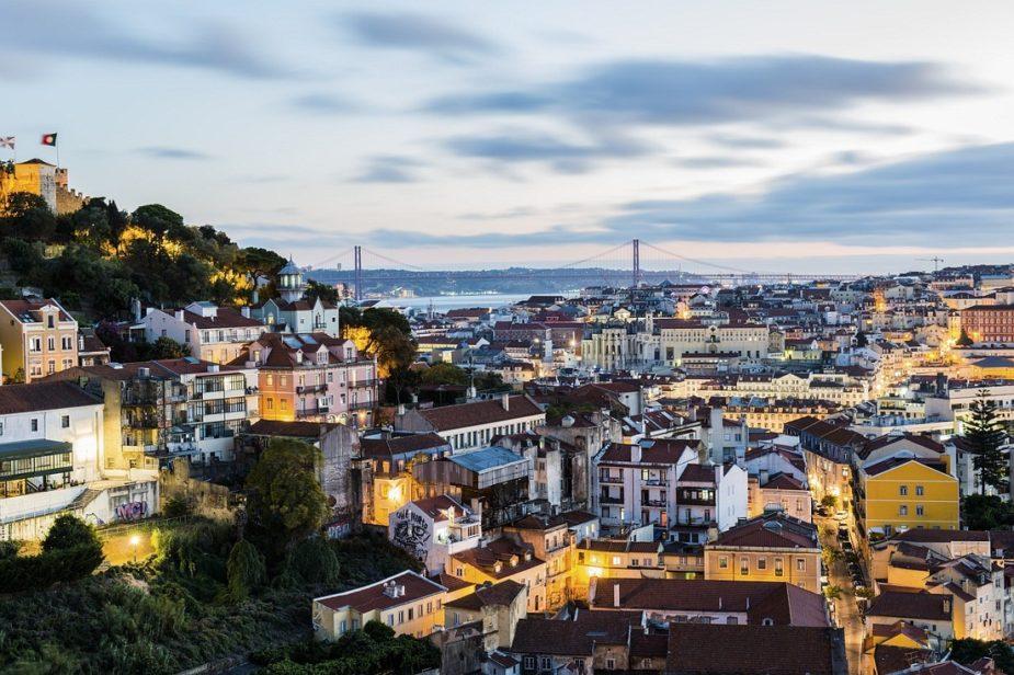 Reportagem: como as celebridades se encantaram por Portugal