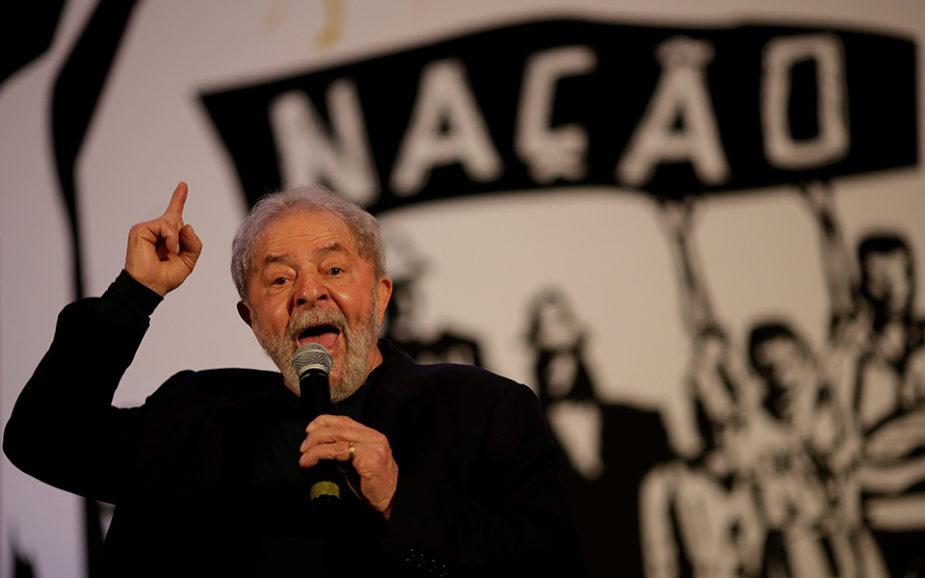 """Lula diz que sentença dá-lhe """"coceira"""" para se candidatar"""