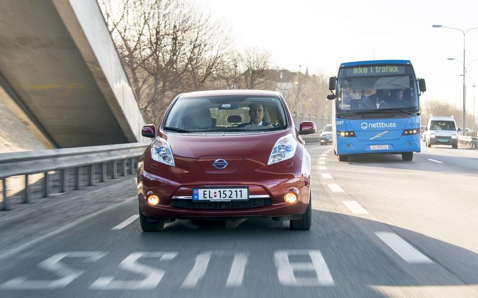 Nissan Leaf - Mais conetividade mas ainda falta autonomia