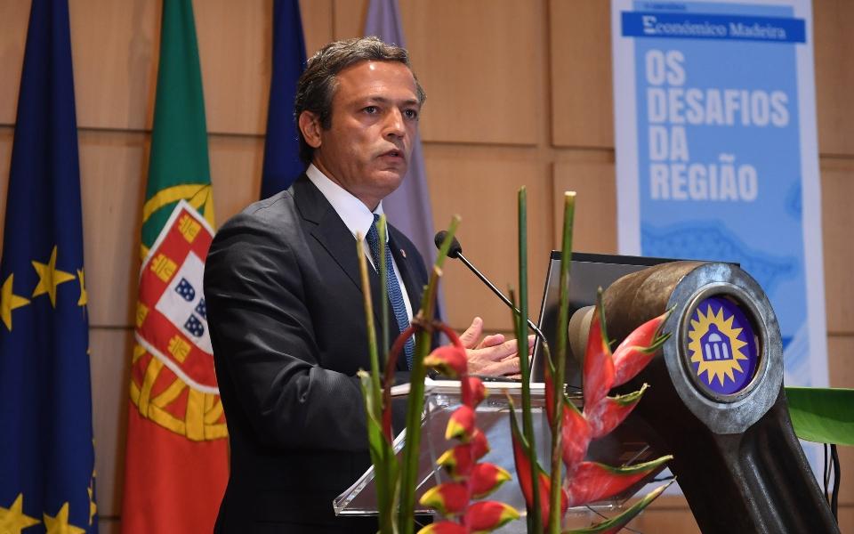 PS e PSD querem alterações a Estatuto dos Benefícios Fiscais apresentado pela República