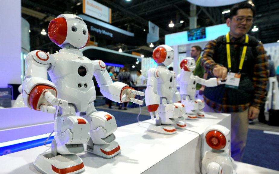 """Revolução: Os robôs são """"pessoas eletrónicas"""" e estão a transformar a vida dos humanos"""