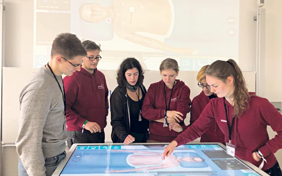 Alunos da Universidade de Coimbra testam Covid-19 virtualmente