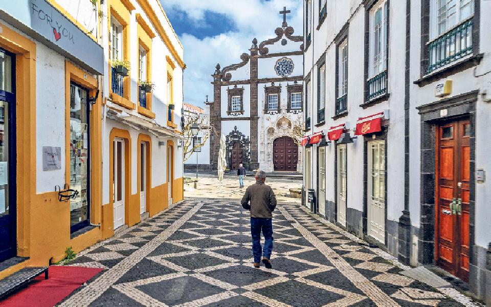 Açores entre Governo minoritário e novas eleições
