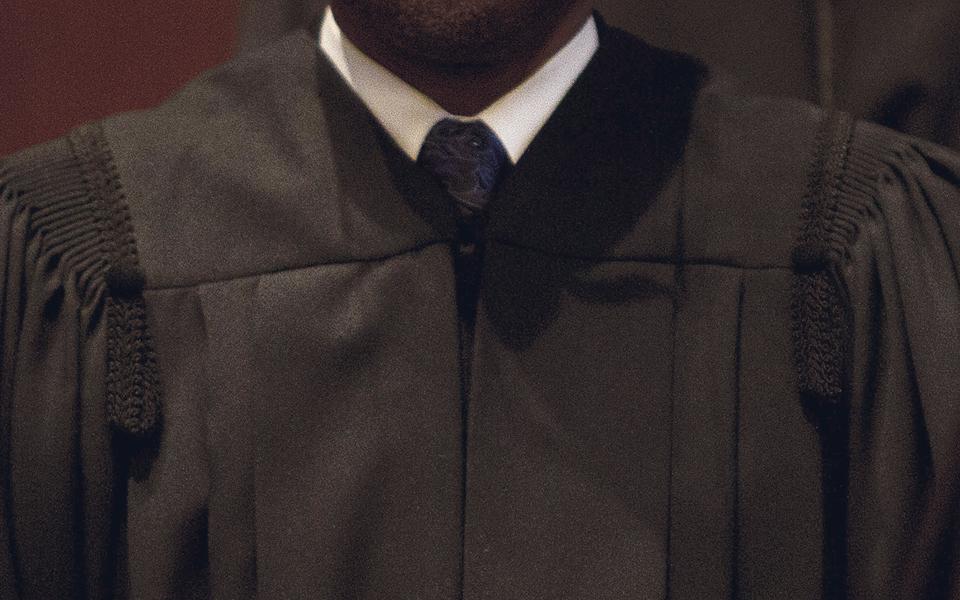 Antigo senhor do fraque lidera Sindicato dos Advogados