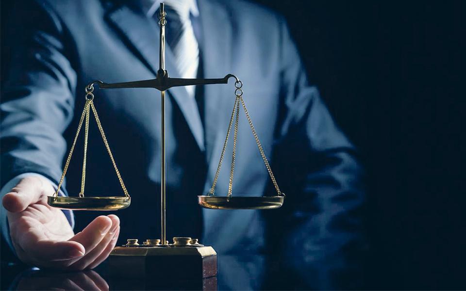 Combate à Corrupção vai ter 'Estratégia Nacional': Um Estado capturado  por partidos e 'interesses'