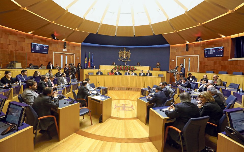 Madeira reivindica reforço de poderes da Assembleia Regional para política fiscal