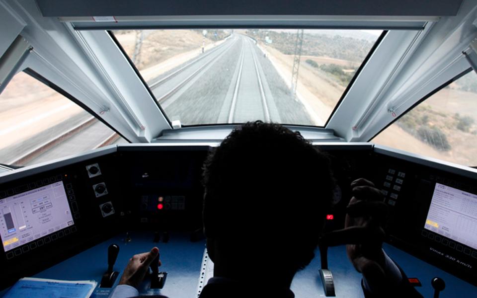 Costa coloca comboio de alta velocidade novamente na agenda