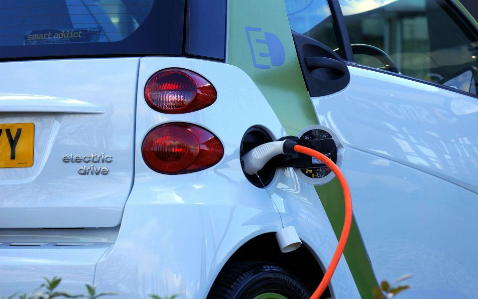 Mobilidade elétrica: Portugal deve triplicar vendas de carros 'verdes' em 2019