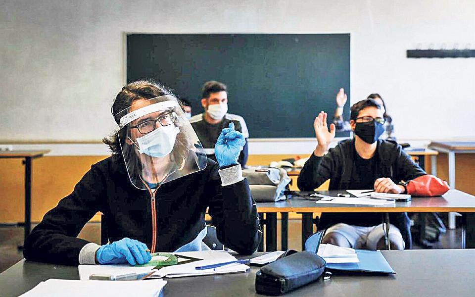 Aulas ao sábado, máscaras  e testes no novo ano letivo