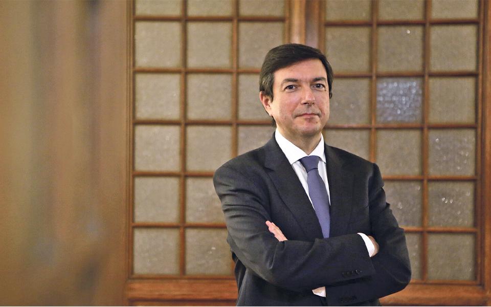 """""""O PSD não é o seu líder nem a sua direção"""""""
