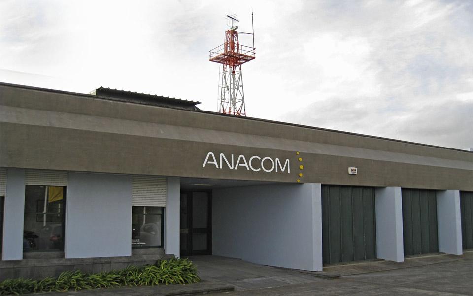 """Anacom rejeita acusação da NOS e diz que licença da Dense Air é """"legal"""""""